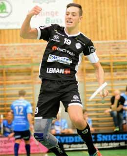 Viktor_Hansson-Innebandy Knästöd SofTec Genu Bauerfeind hos sportsrehab.se